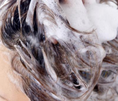 髪の毛と石鹸カス